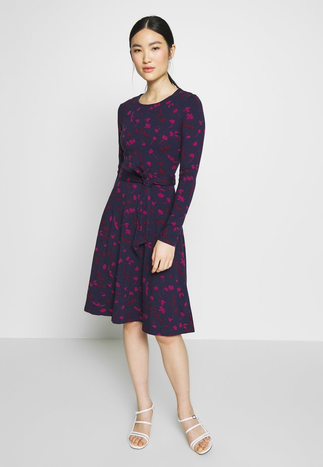 MONICA - Jersey dress - berry