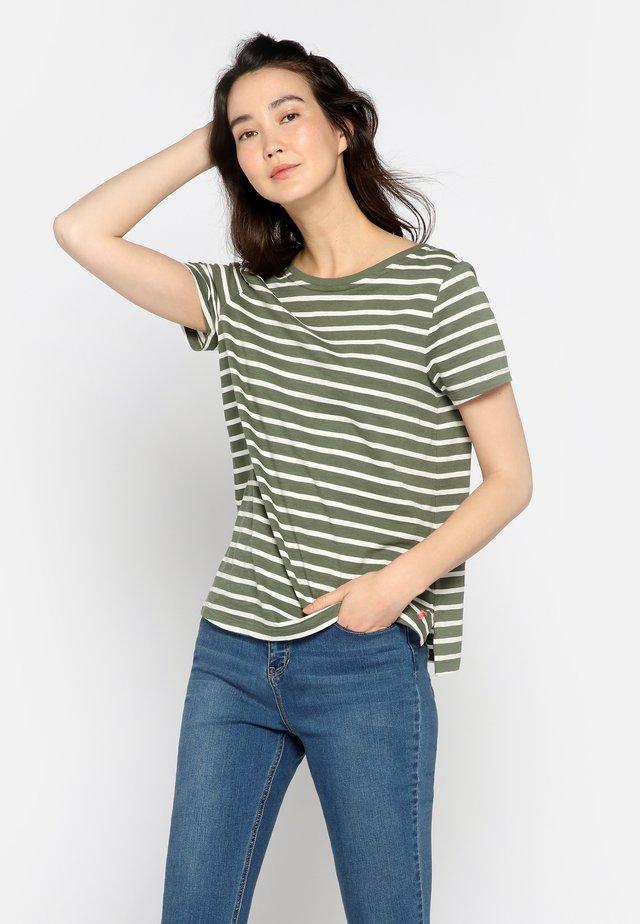 ALVERTON - T-shirt z nadrukiem - khaki