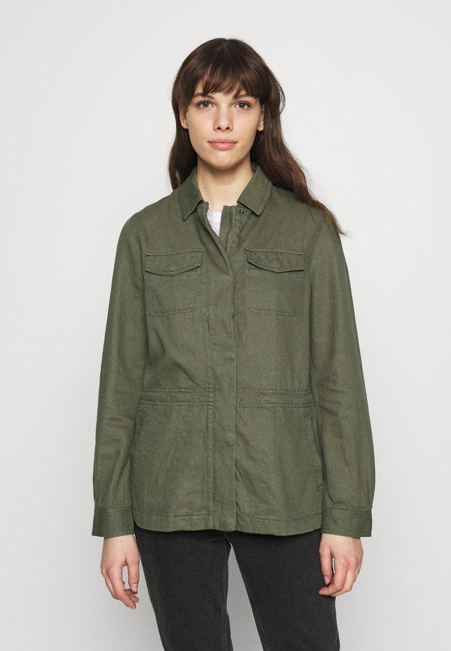 ALEXANDRA - Lehká bunda - olive