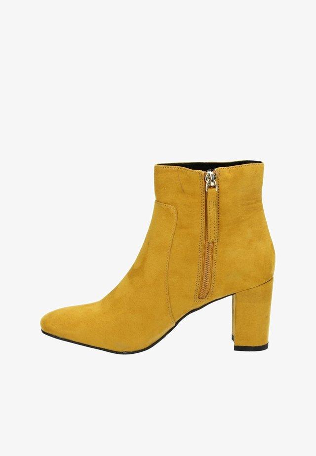 Korte laarzen - geel