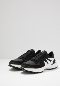 Neil Barrett - TIGER BOLT SPORTS - Zapatillas - black/white - 2