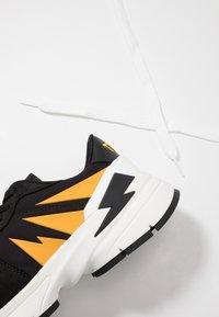 Neil Barrett - TIGER BOLT SPORTS - Trainers - black/yellow/white - 6