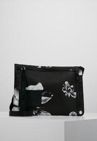 Neil Barrett - ANEMONE BAG - Skuldertasker - black/white - 0