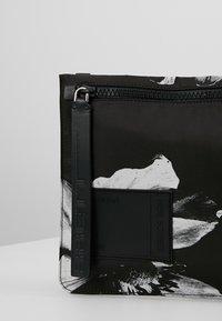 Neil Barrett - ANEMONE BAG - Skuldertasker - black/white - 6