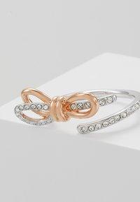Swarovski - LIFELONG BOW - Bague - rose gold-coloured - 5
