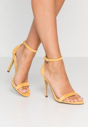 JASMINE - Sandaler med høye hæler - yellow