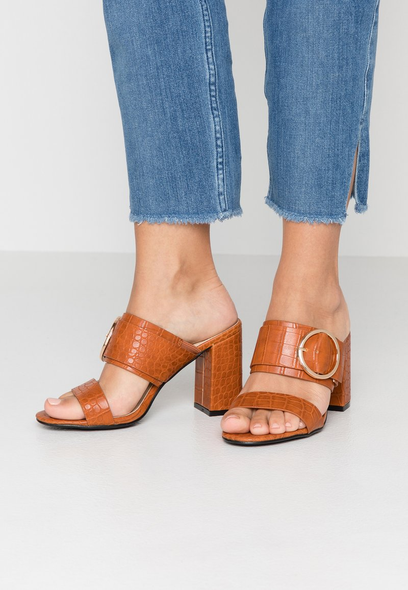 4th & Reckless - LOUISA - Pantofle na podpatku - tan