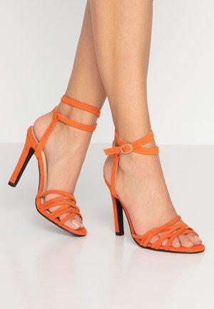 GIGI - Sandaler med høye hæler - orange