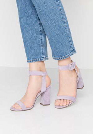 ELLIS - Sandály na vysokém podpatku - lilac