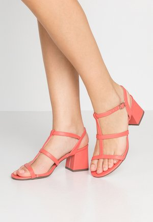 BENNY - Sandals - coral