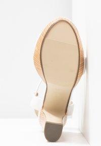 4th & Reckless - LUTHER - Sandály na vysokém podpatku - white - 6