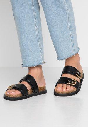 RAE - Pantofle - black