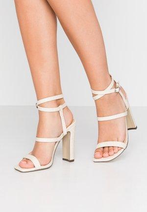 CALI - Sandály na vysokém podpatku - cream