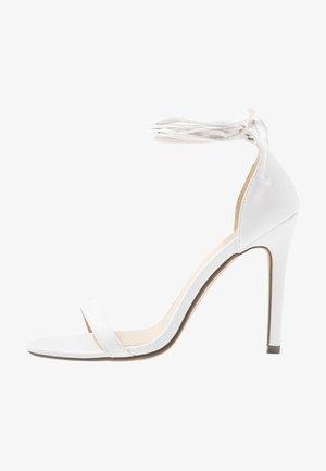 RACHEL - Sandály na vysokém podpatku - white