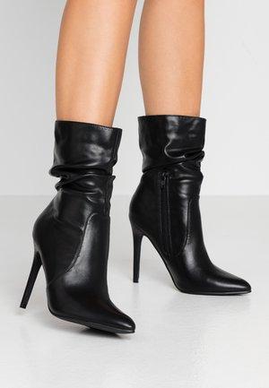 CAMEO - High Heel Stiefelette - black