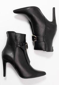 4th & Reckless - MILANA - Kotníková obuv na vysokém podpatku - black - 3