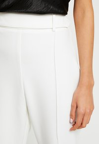 4th & Reckless - TROUSER - Kalhoty - white - 4