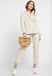 4th & Reckless - ISABELLA TROUSER - Bukse - stone - 1