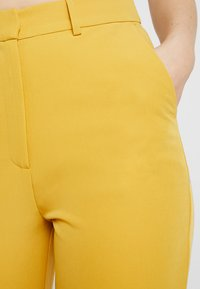 4th & Reckless - EXCLUSIVE MARIANNA TROUSER - Kalhoty - yellow - 7