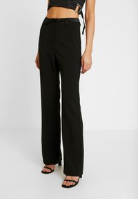 4th & Reckless - MELODY TROUSER - Trousers - black structured - 0