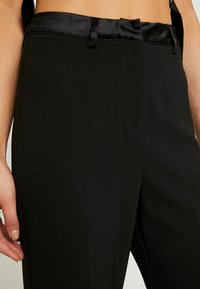 4th & Reckless - MELODY TROUSER - Trousers - black structured - 4