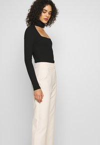 4th & Reckless - MILO TROUSER - Trousers - cream - 3
