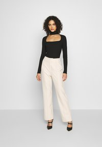 4th & Reckless - MILO TROUSER - Trousers - cream - 1