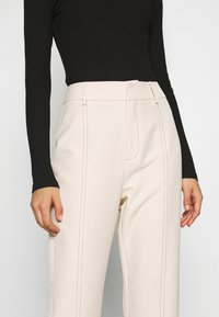4th & Reckless - MILO TROUSER - Trousers - cream - 6