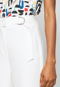 4th & Reckless - ADDIE TROUSER - Trousers - white - 5