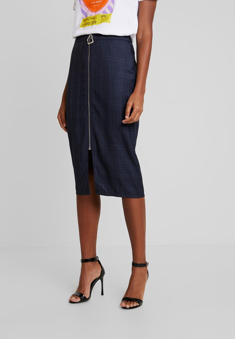 4th & Reckless - ALISHA CHECK MIDI SKIRT WITH ZIP DETAIL - Pencil skirt - blue