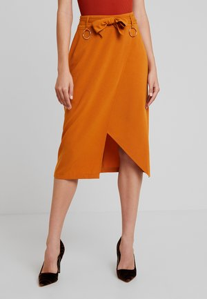 ALBABELTED MIDI SKIRT WITH RING DETAIL - Jupe portefeuille - ginger