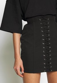 4th & Reckless - HARLI SKIRT - Pencil skirt - black - 4