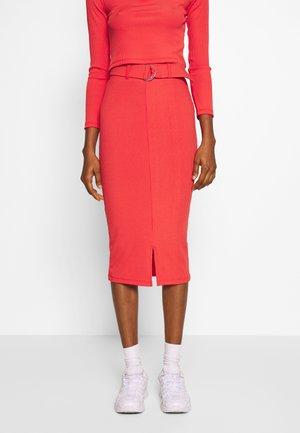 NORA SKIRT - Pouzdrová sukně - red