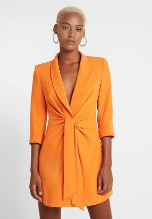 MINNIE DRESS - Denní šaty - orange