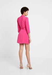 4th & Reckless - RENEE BLAZER DRESS - Denní šaty - magenta - 2