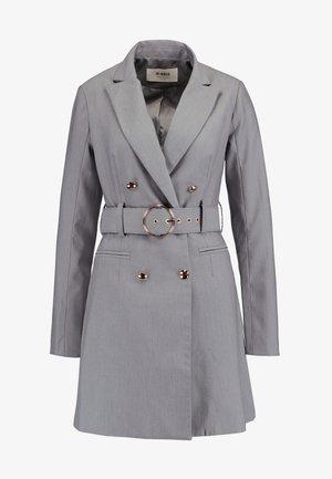 EXCLUSIVE MARI BLAZER DRESS - Skjortklänning - grey