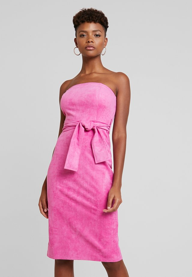 BEA STRAPLESS MIDI DRESS WITH WAIST TIE - Cocktail dress / Party dress - pink suede