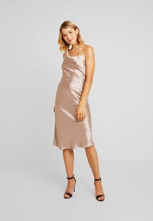 CLARKSONONE SHOULDER MIDI DRAPE DRESS - Shift dress - mink