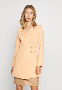 4th & Reckless - JESSIE DRESS - Manteau court - orange - 0