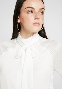 4th & Reckless - MAXWELL BODYSUIT WITH SHEER SLEEVE AND NECK TIE - Camicetta - white - 3