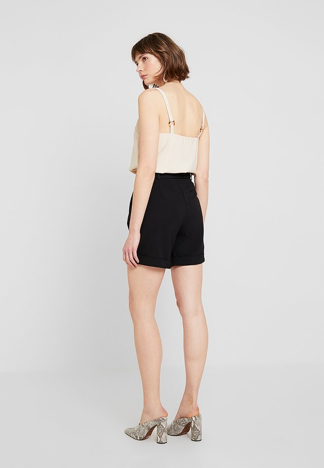 COURTNEY - Shortsit - black