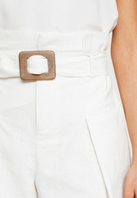 4th & Reckless - ALEISHA  - Shorts - white - 4