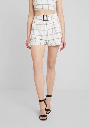 CORIN - Shorts - black/white