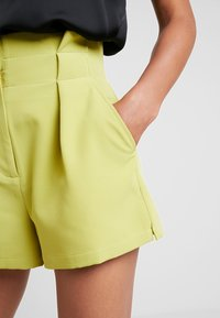 4th & Reckless - KIKI - Shorts - lime - 5