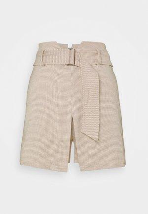 HOLLY SKORT - Shorts - nude check