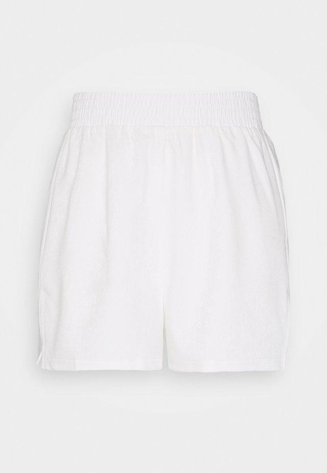 SIENNA SHORT - Shorts - white