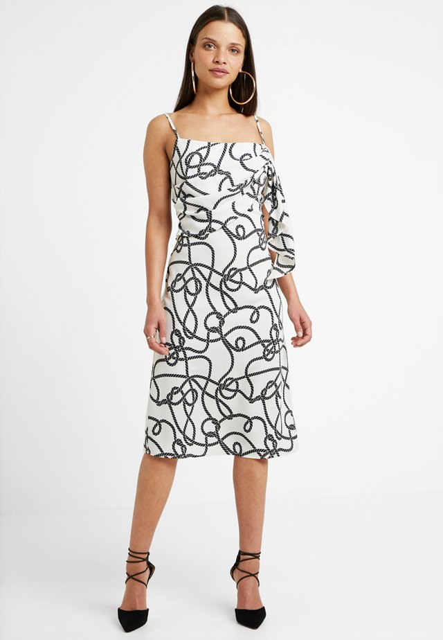 DUA DRESS - Freizeitkleid - black/white