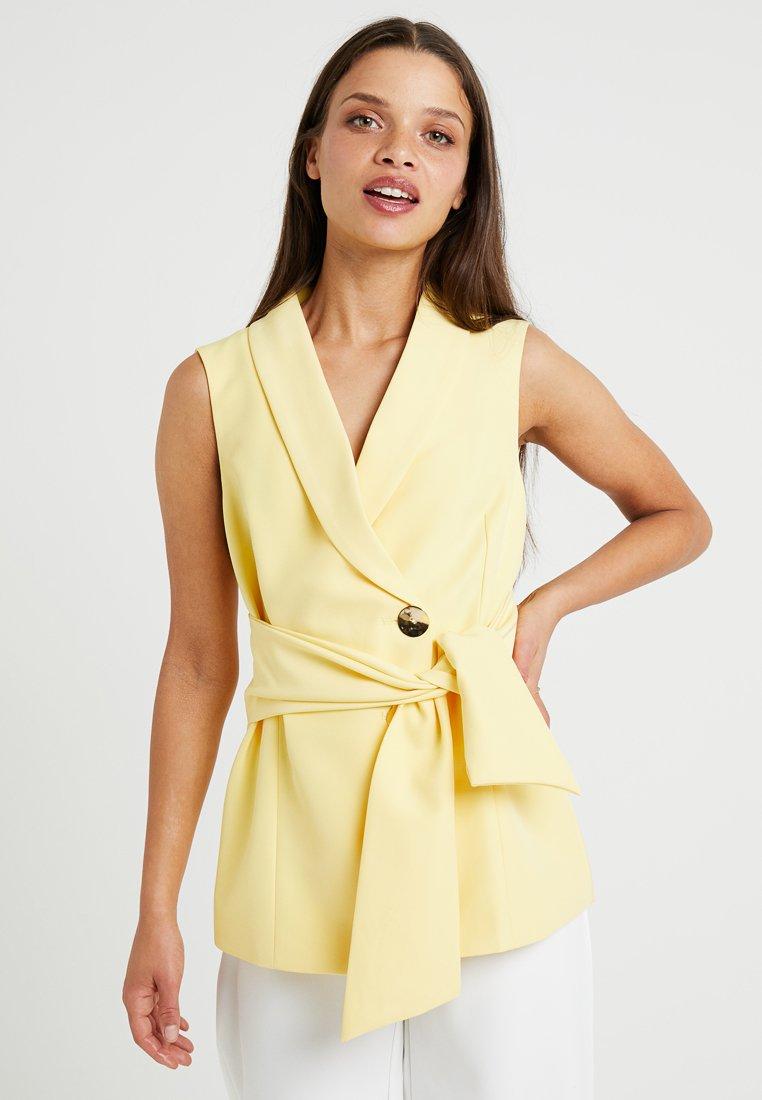 4th & Reckless Petite - PABLO JACKET - Waistcoat - yellow