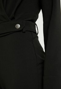 4th & Reckless Petite - SANDRA COLLARED WITH BUCKLE DETAIL - Combinaison - black - 5