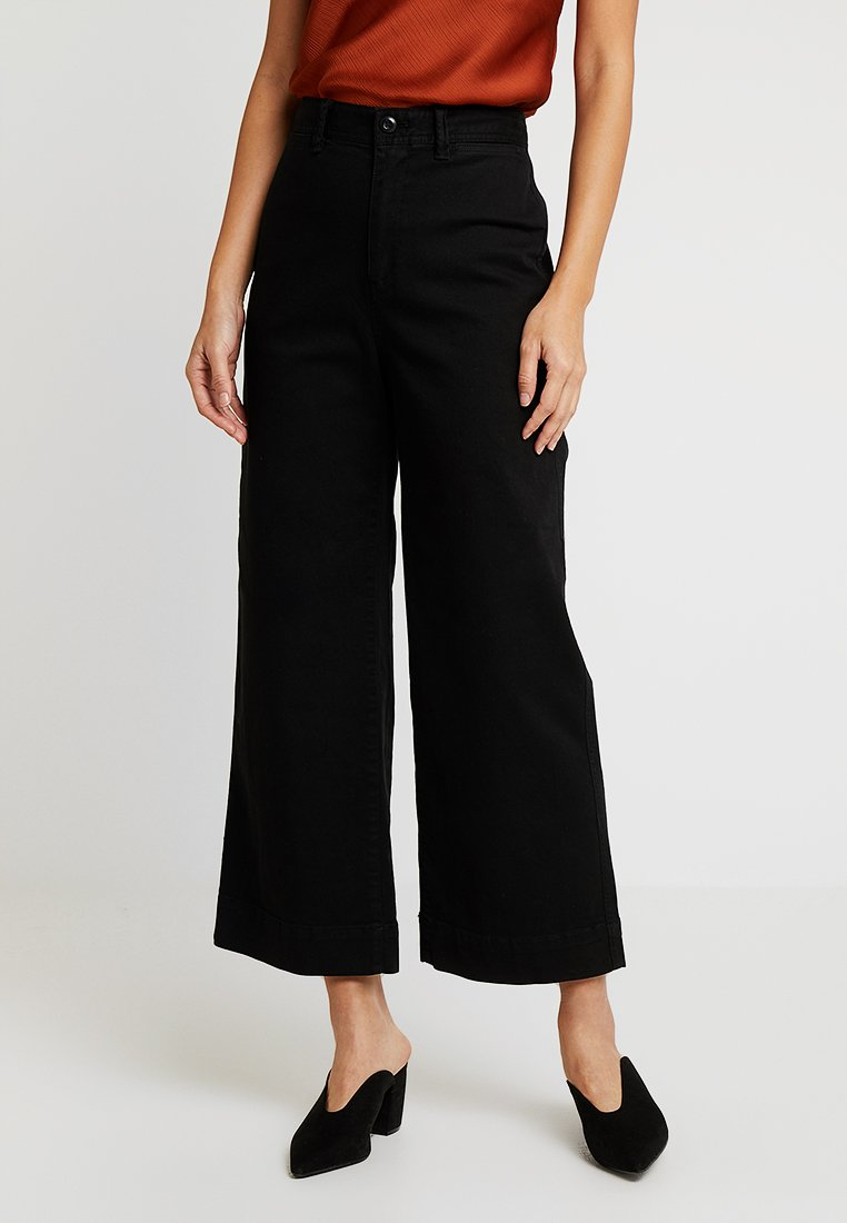 GAP - WIDE LEG SOLID - Flared Jeans - true black